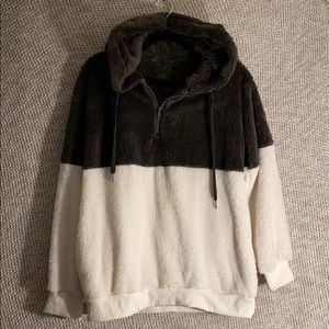 Fuzzy Barely Worn Brown and White 1/4-Zip Hoodie-M